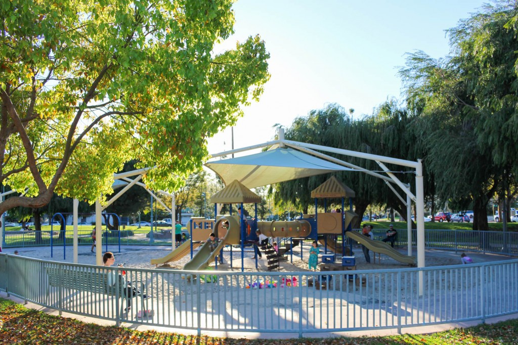 Image of the playground at Glendale Central Park.