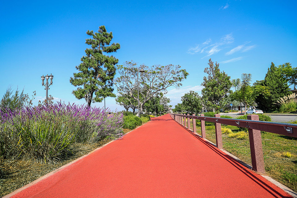 Running track at the Ruben Ingold Parkway